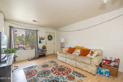 $335,000 - 3Br/3Ba -  for Sale in Flagstaff