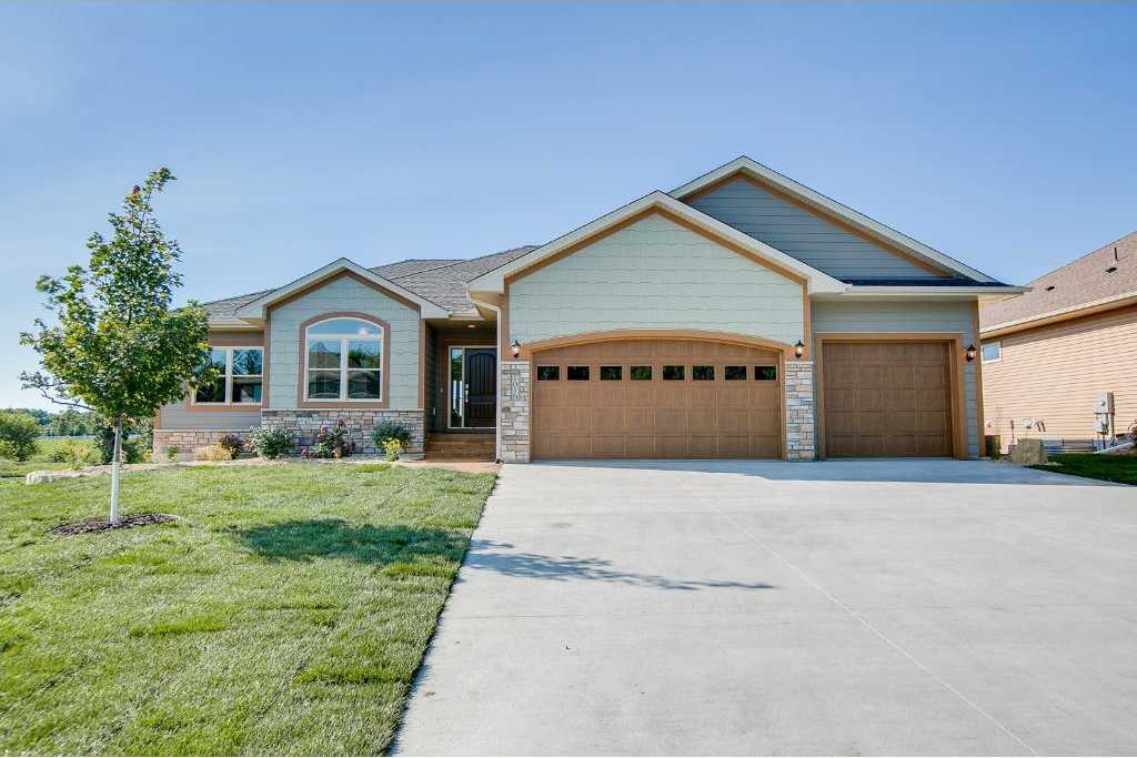 $550,000 - 3Br/3Ba -  for Sale in New Prague