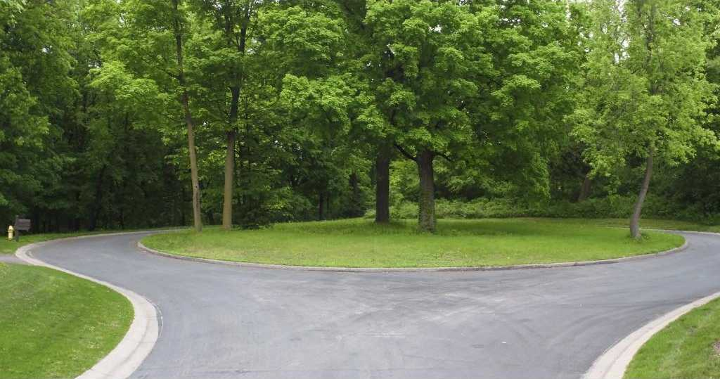 $795,000 - Br/Ba -  for Sale in Highland Forest, Wayzata