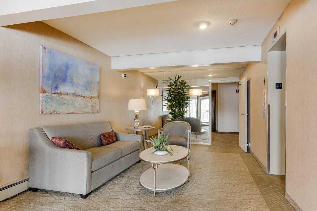 $309,000 - 2Br/2Ba -  for Sale in Wayzata Villa, Wayzata