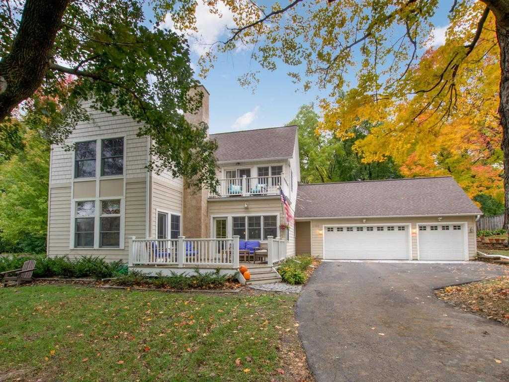 $600,000 - 5Br/4Ba -  for Sale in Orono