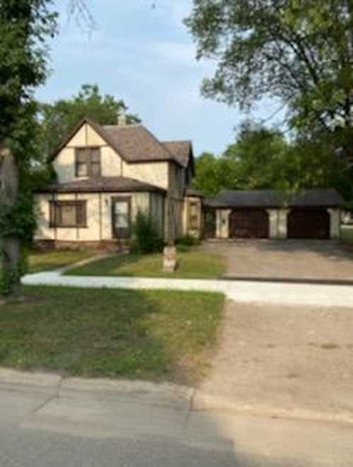 $189,900 - 4Br/2Ba -  for Sale in City Of Belle Plaine, Belle Plaine