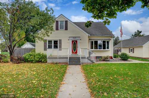 $279,900 - 4Br/3Ba -  for Sale in Belle Plaine