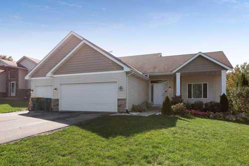 $389,000 - 5Br/3Ba -  for Sale in Farmers Ridge 1st Add, Belle Plaine