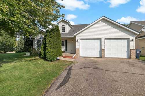 $334,900 - 5Br/4Ba -  for Sale in Fogartys 2nd Add, Belle Plaine