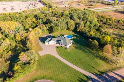 $875,000 - 5Br/5Ba -  for Sale in Lakeville
