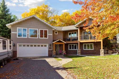 $440,000 - 4Br/3Ba -  for Sale in Savage