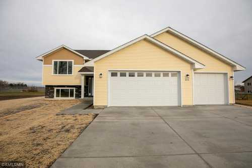 $360,000 - 3Br/2Ba -  for Sale in Heritage Acres 2nd Add, Belle Plaine