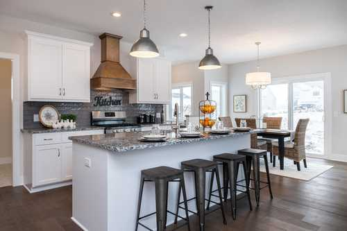 $589,900 - 5Br/4Ba -  for Sale in Berres Ridge 7th Add, Lakeville