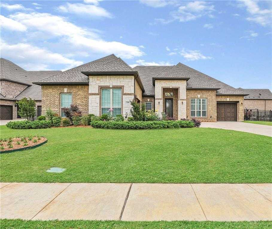 $799,999 - 4Br/4Ba -  for Sale in Overlook At Big Bear Creek, Colleyville