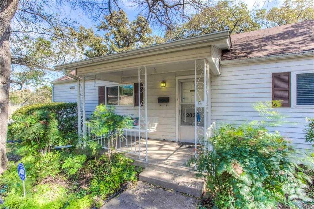 $219,000 - 2Br/1Ba -  for Sale in Oakhurst Addition, Fort Worth