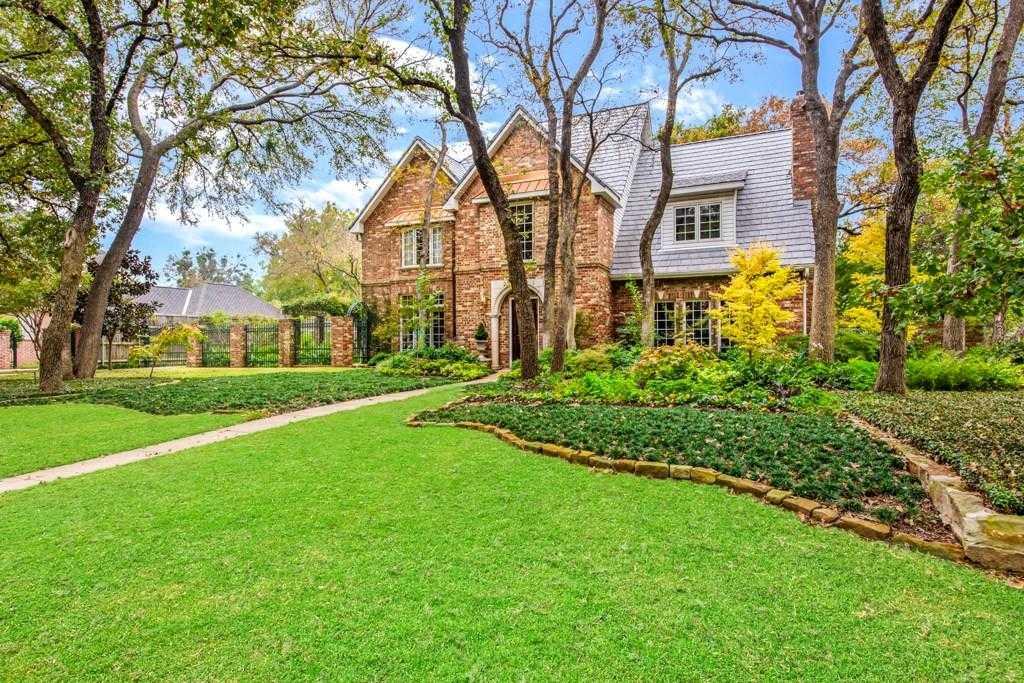 $594,900 - 4Br/4Ba -  for Sale in Deerwood Park Add, Arlington
