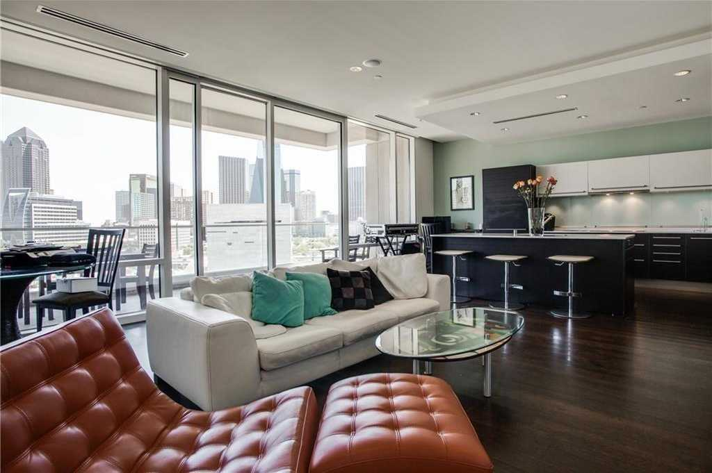 $725,000 - 2Br/3Ba -  for Sale in W Residences, Dallas