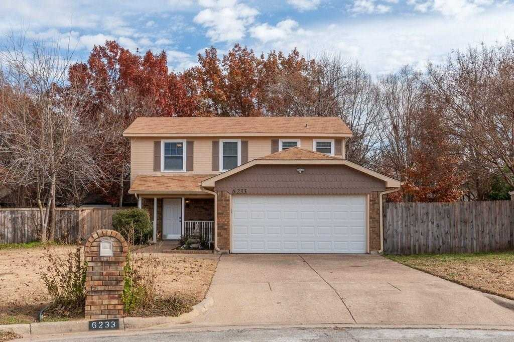 $199,900 - 3Br/3Ba -  for Sale in Maywood Place I Addition, Arlington
