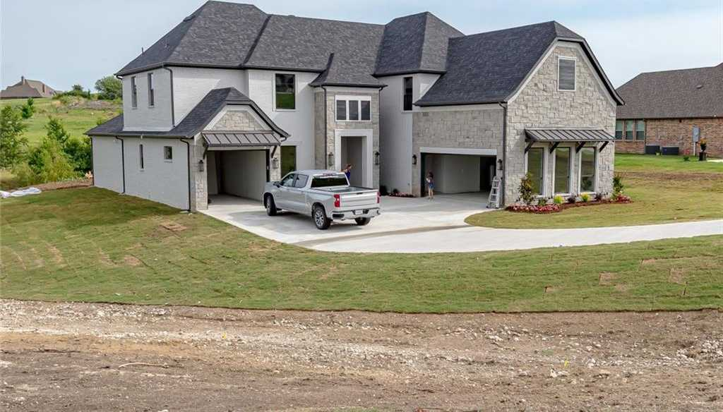 $799,900 - 4Br/5Ba -  for Sale in Bella Flora, Fort Worth