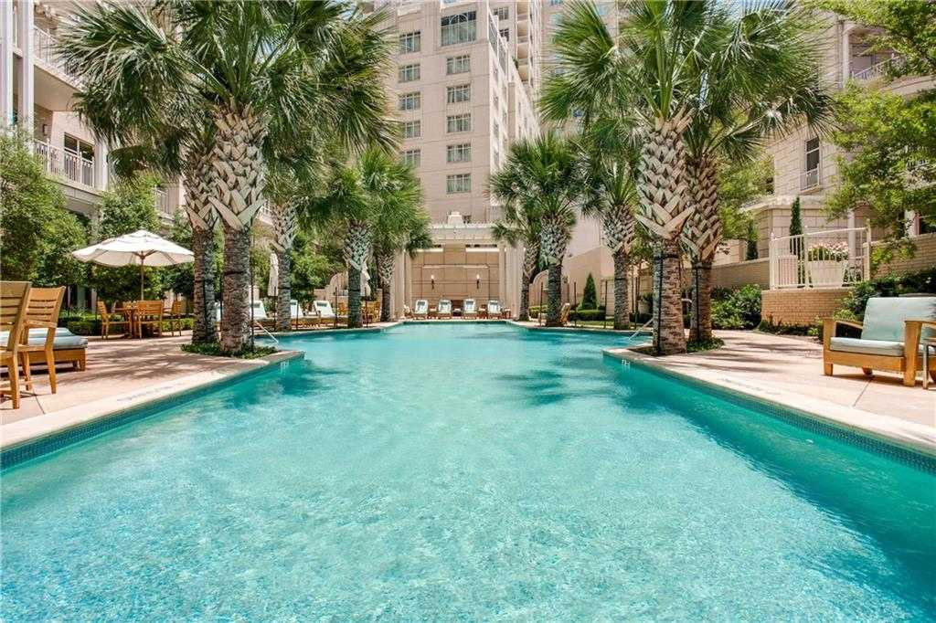 - 1Br/2Ba -  for Sale in Tower & Regency Row Residence Condo, Dallas