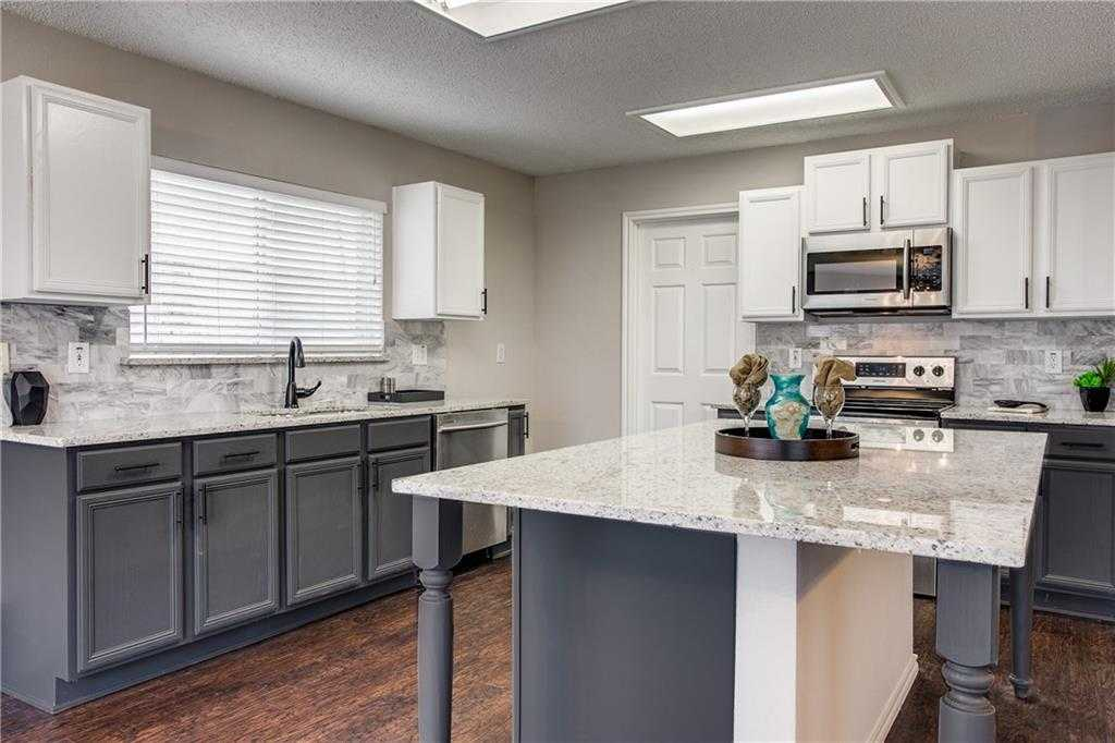 $254,990 - 4Br/3Ba -  for Sale in Arcadia Park Add, Fort Worth