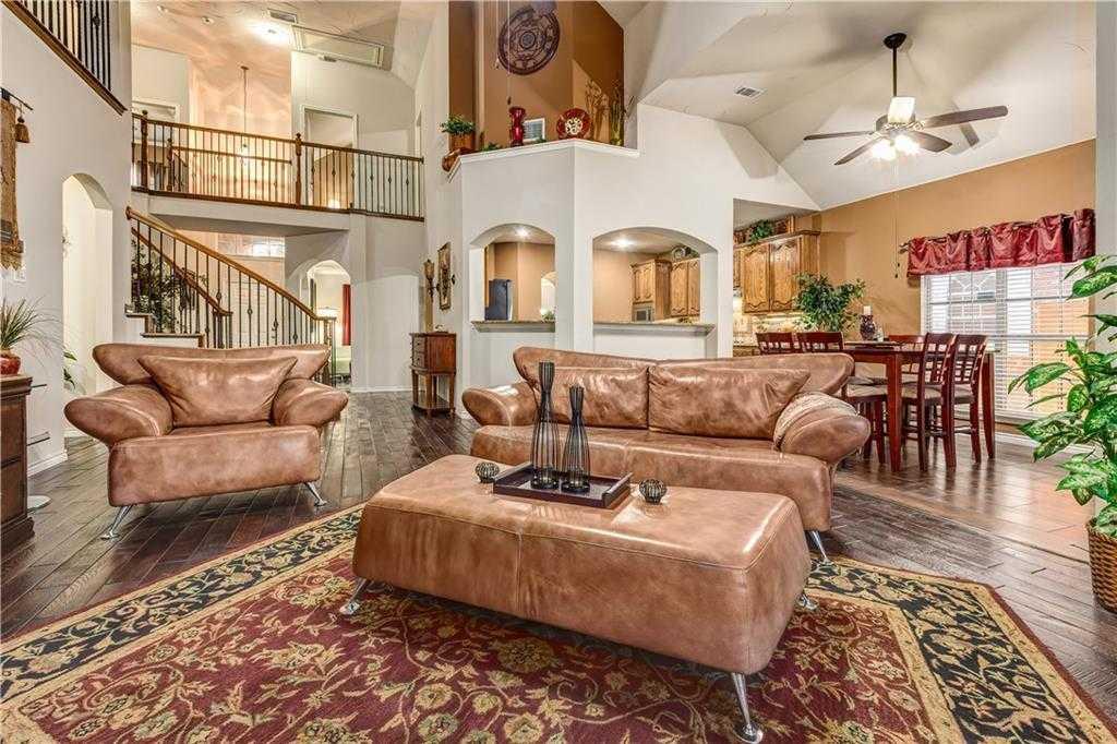 mls 13995916 2852 gillespie lane grand prairie tx 75052 melinda jordan real estate. Black Bedroom Furniture Sets. Home Design Ideas