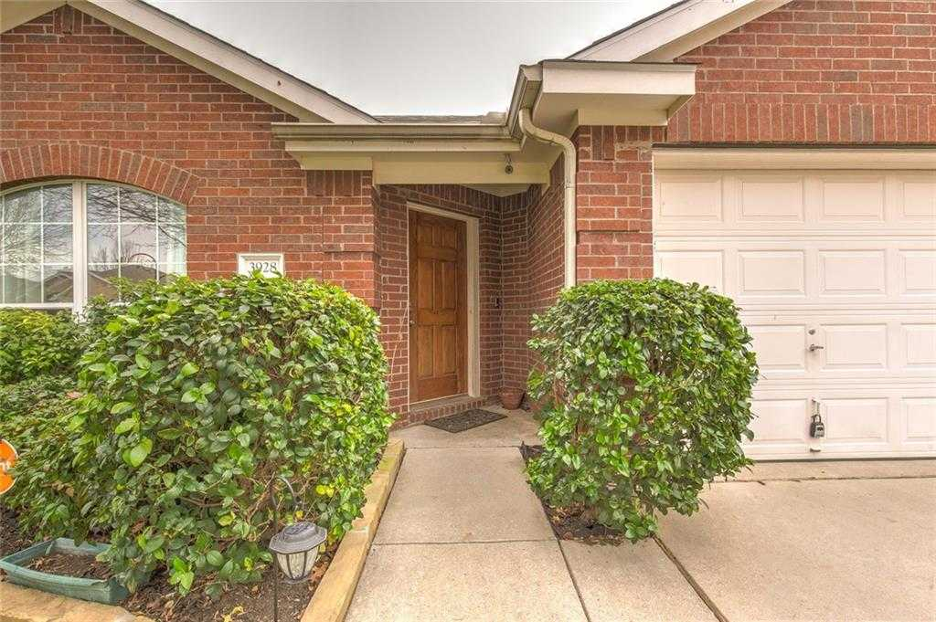 $219,900 - 4Br/2Ba -  for Sale in Arcadia Park Add, Fort Worth