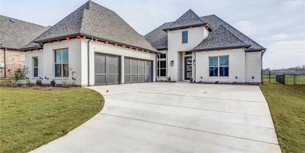 $439,900 - 3Br/3Ba -  for Sale in The Resort On Eagle Mountain Lake, Fort Worth