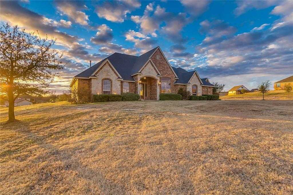 $490,000 - 3Br/3Ba -  for Sale in Pearl Ranch, Fort Worth