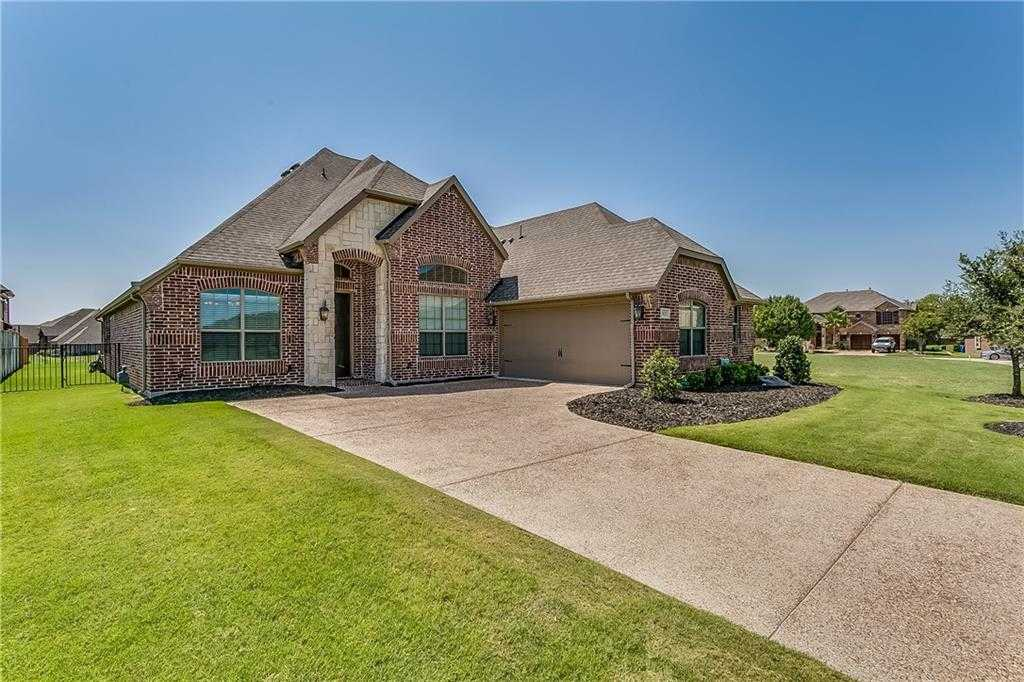 $405,000 - 4Br/3Ba -  for Sale in Resort On Eagle Mountain Lake, Fort Worth