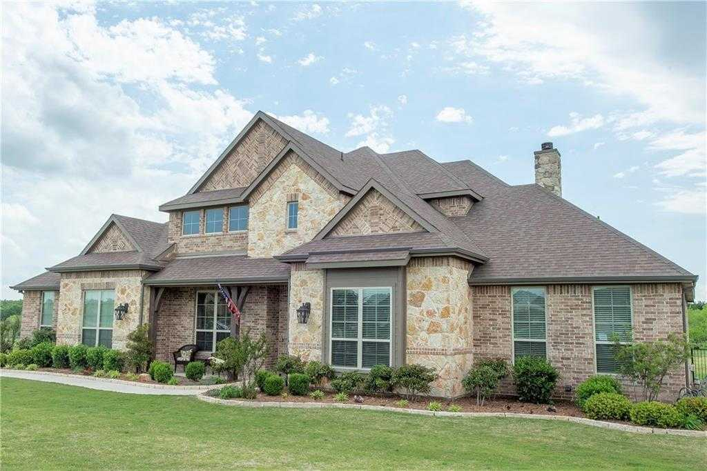 $614,900 - 5Br/3Ba -  for Sale in Saddle Creek, Fort Worth