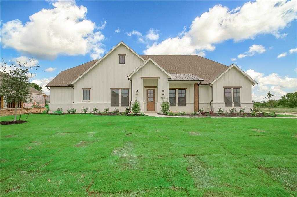 Homes for Sale in Justin - Marilyn Newland