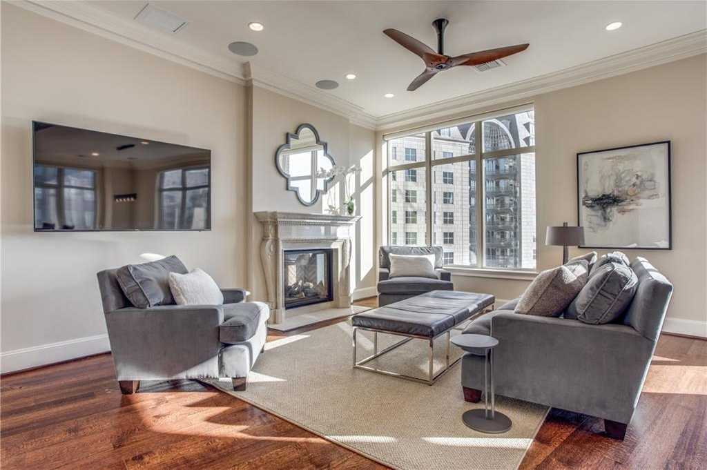 - 2Br/3Ba -  for Sale in Tower & Regency Row Residence Condo, Dallas