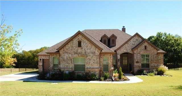 $440,000 - 3Br/2Ba -  for Sale in Resort On Eagle Mountain Lake, Fort Worth