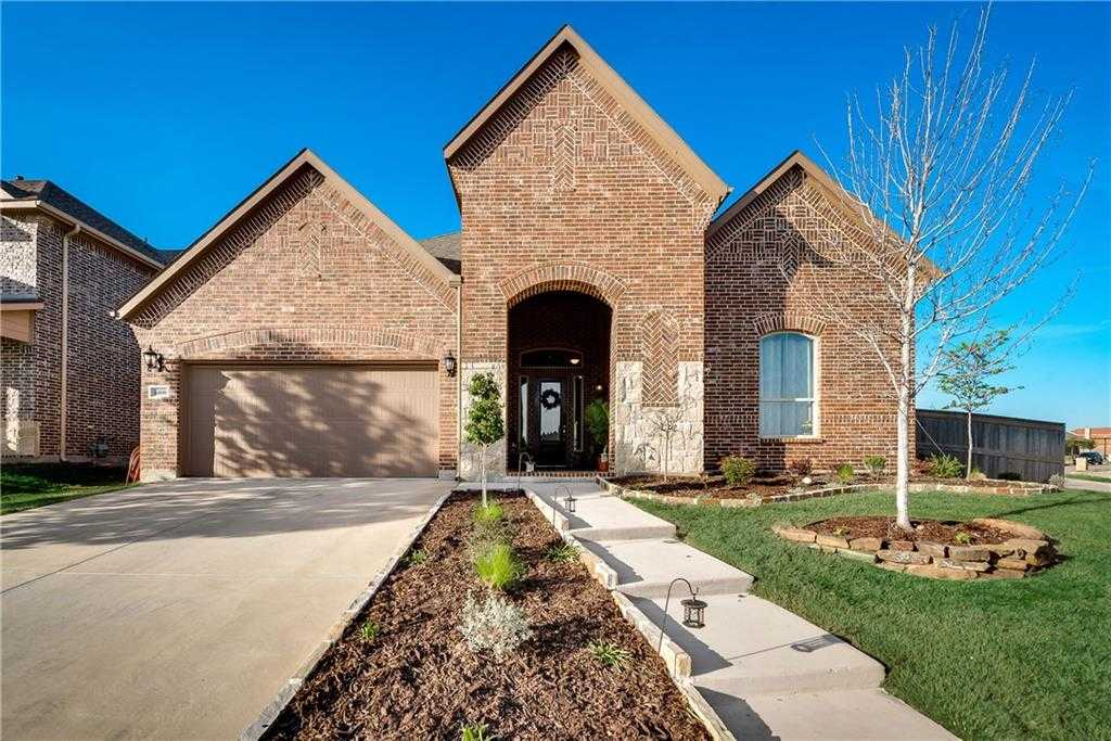 $357,500 - 4Br/4Ba -  for Sale in Santa Fe Enclave, Fort Worth