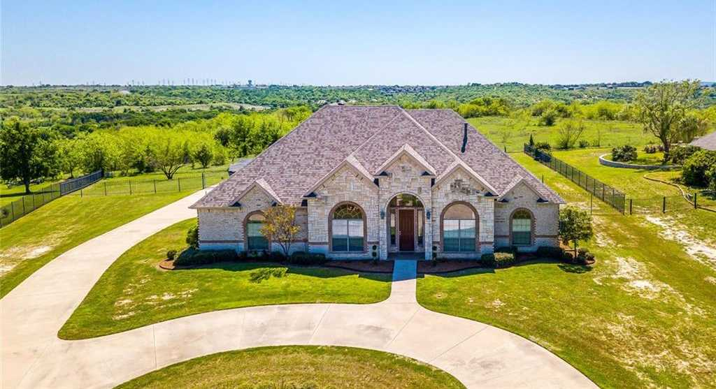 $449,500 - 4Br/3Ba -  for Sale in Harbour View Estates Add, Fort Worth