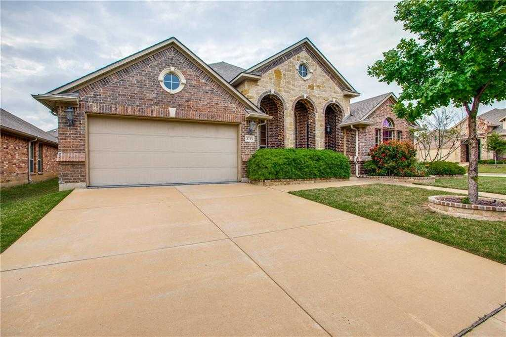 $340,000 - 5Br/3Ba -  for Sale in Santa Fe Enclave, Fort Worth