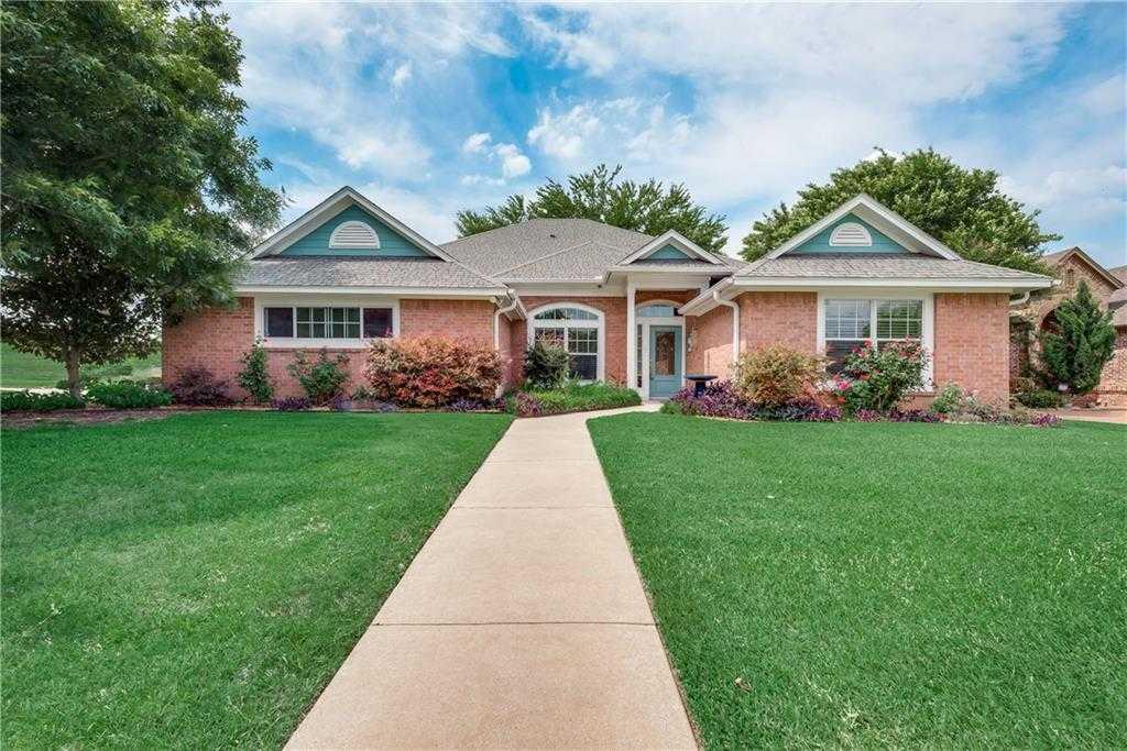 $349,500 - 3Br/2Ba -  for Sale in River Bend Estates, Fort Worth