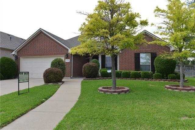 $269,900 - 4Br/2Ba -  for Sale in Santa Fe Enclave, Fort Worth