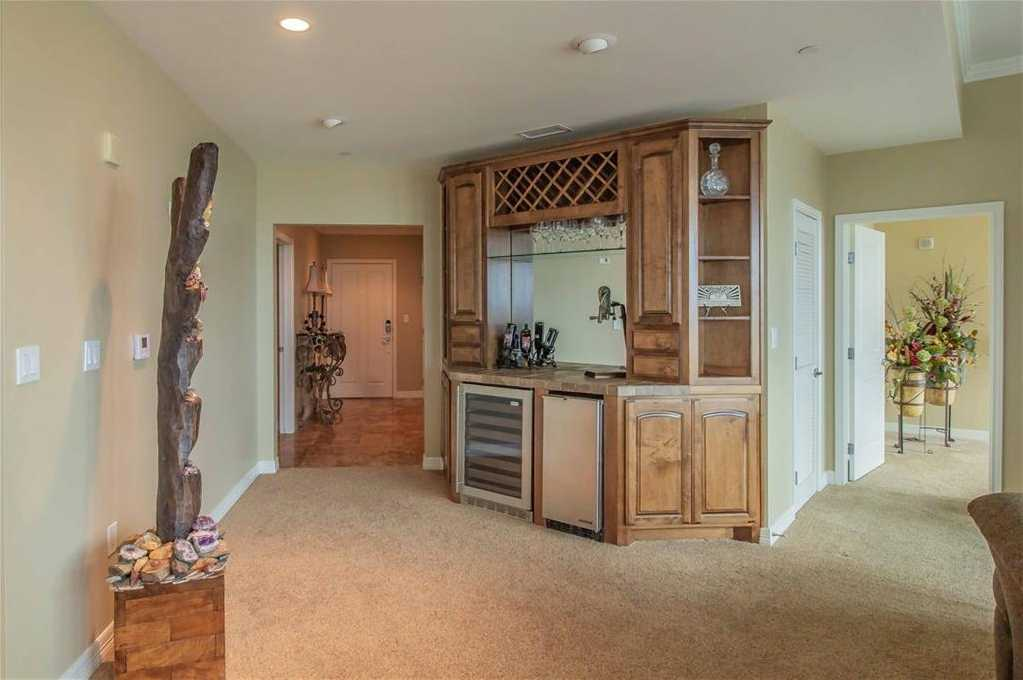 $799,000 - 2Br/3Ba -  for Sale in Tower Residential Condo, Fort Worth