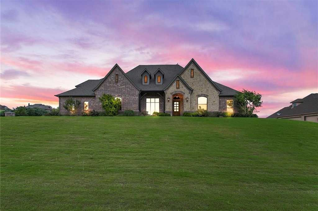 $674,999 - 4Br/5Ba -  for Sale in Bella Flora, Fort Worth