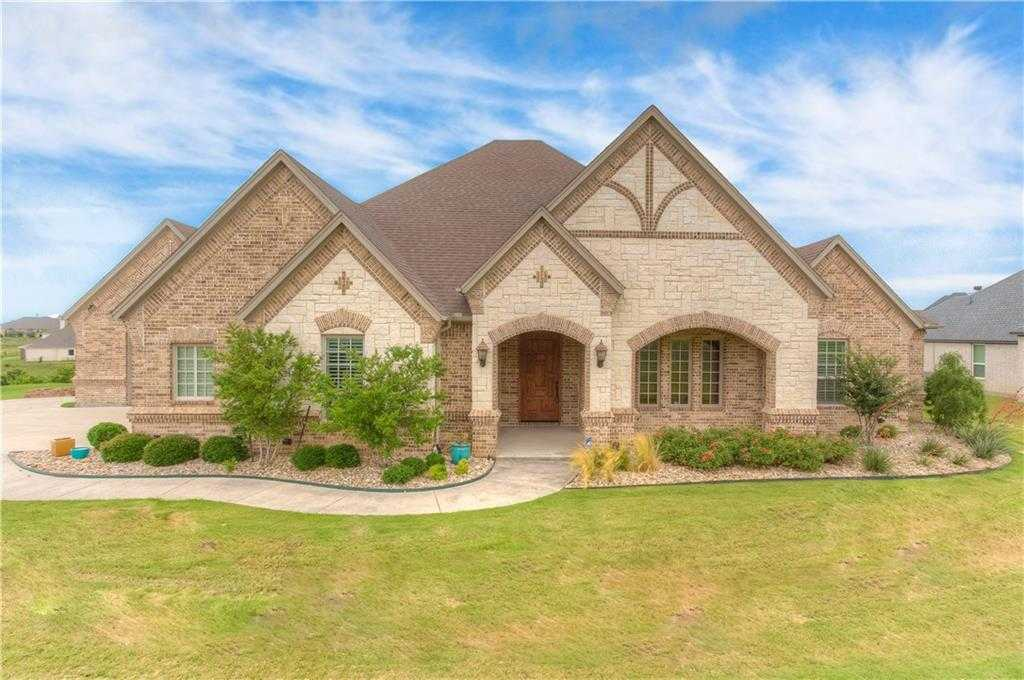 $677,000 - 3Br/3Ba -  for Sale in Bella Flora, Fort Worth