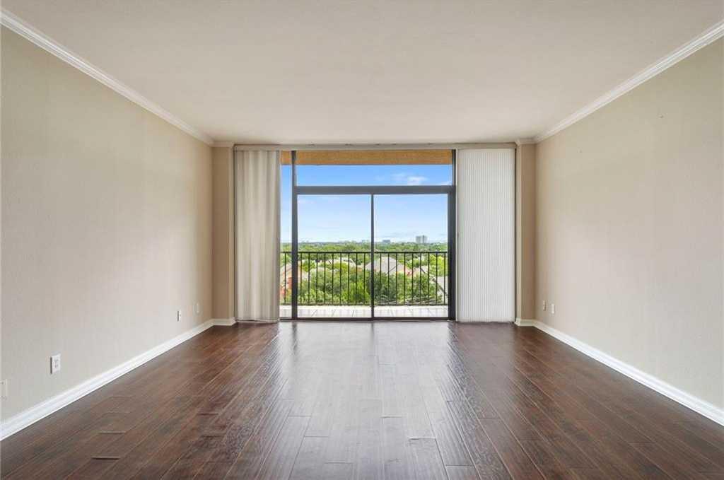 $289,900 - 2Br/2Ba -  for Sale in Bonaventure Condo, Dallas