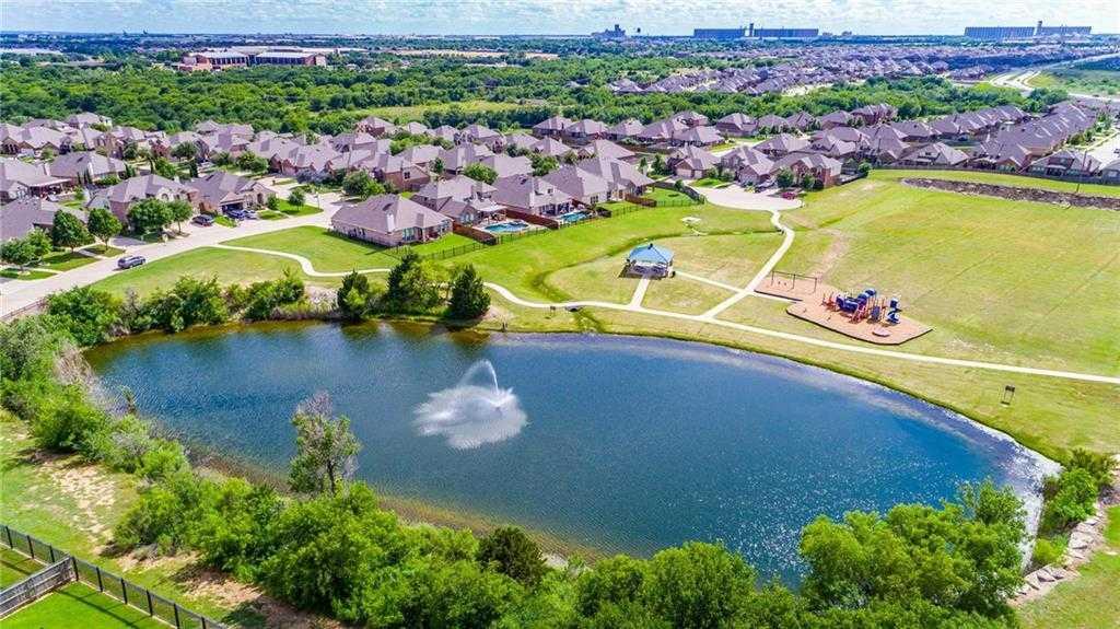 $379,000 - 4Br/4Ba -  for Sale in Santa Fe Enclave, Fort Worth