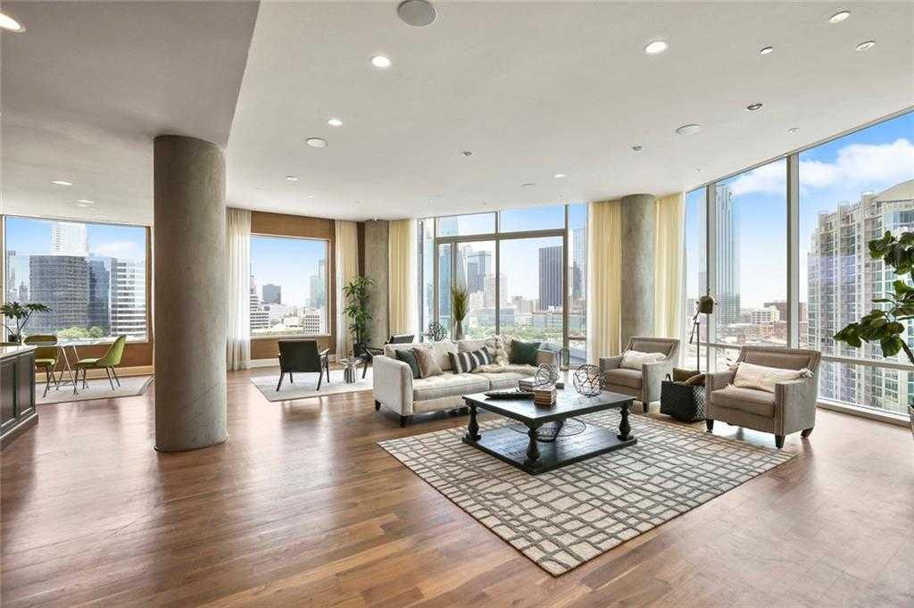 - 6Br/6Ba -  for Sale in W Residences, Dallas