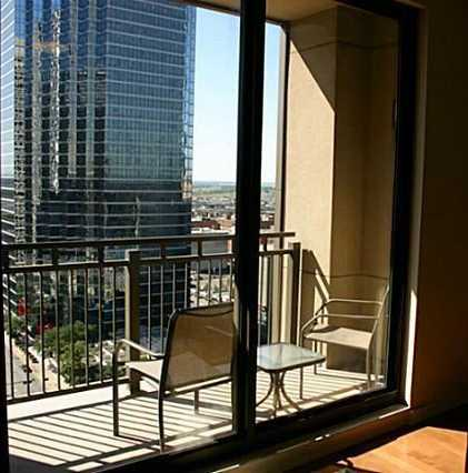 - 1Br/1Ba -  for Sale in Metropolitan 1200 Main St Cond, Dallas