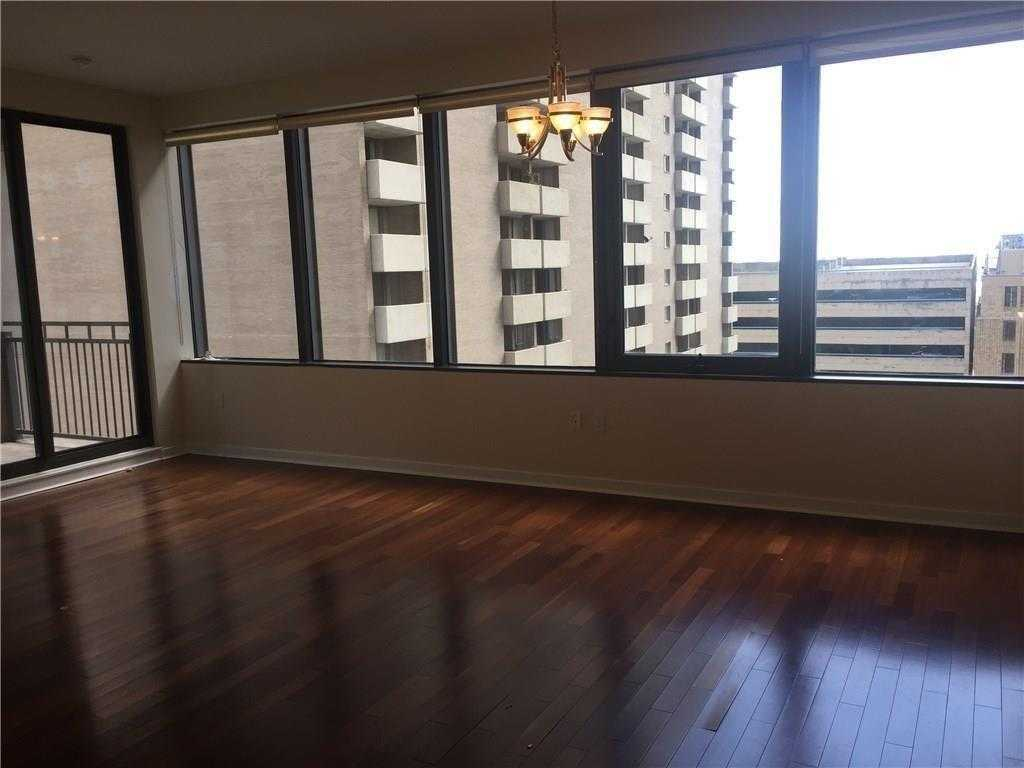 - 2Br/2Ba -  for Sale in Metropolitan 1200 Main St Cond, Dallas