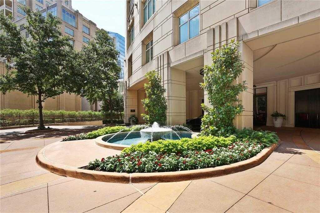 - 1Br/2Ba -  for Sale in Regency Row Residences Condo, Dallas