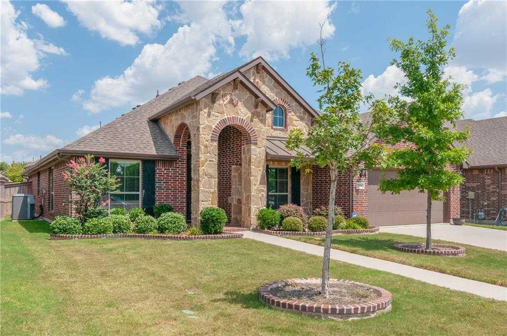 $319,900 - 4Br/2Ba -  for Sale in Santa Fe Enclave, Fort Worth