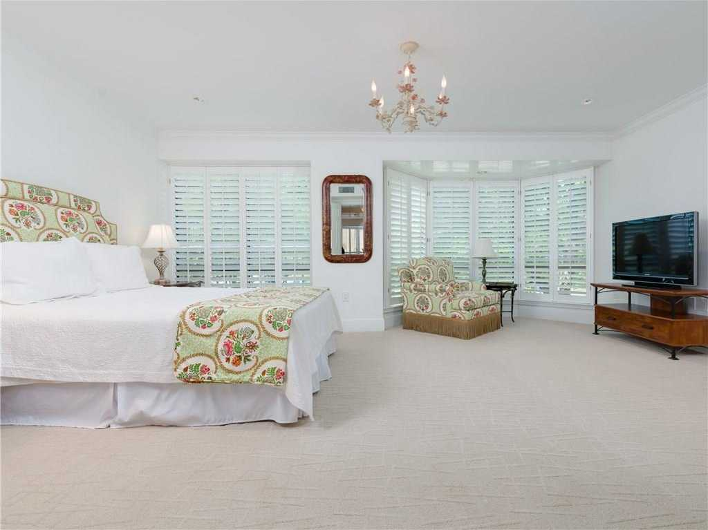 $729,900 - 3Br/3Ba -  for Sale in Crestpark Highland Park Condo, Highland Park