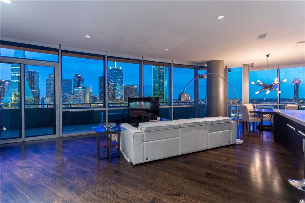 $1,049,000 - 2Br/3Ba -  for Sale in House, Dallas