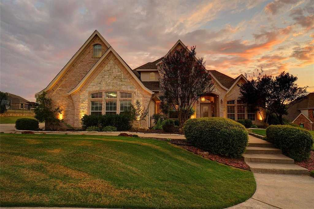 $524,900 - 4Br/3Ba -  for Sale in Harbour View Estates Add, Fort Worth