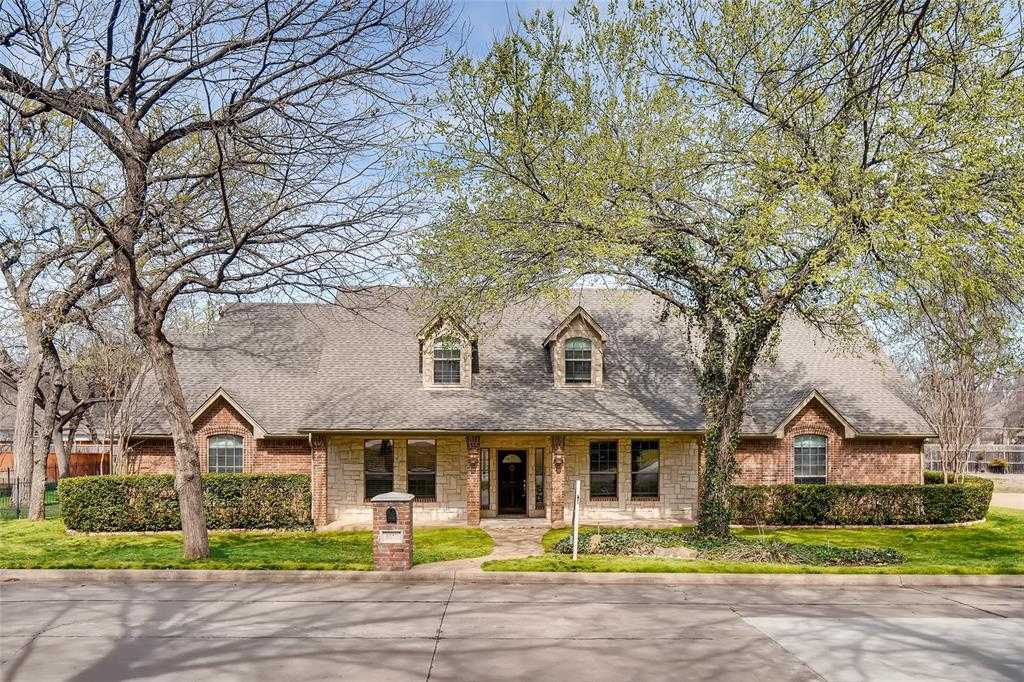 $375,000 - 3Br/3Ba -  for Sale in River Bend Estates, Fort Worth