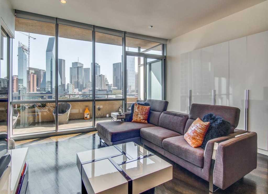 $500,000 - 1Br/2Ba -  for Sale in The House, Dallas